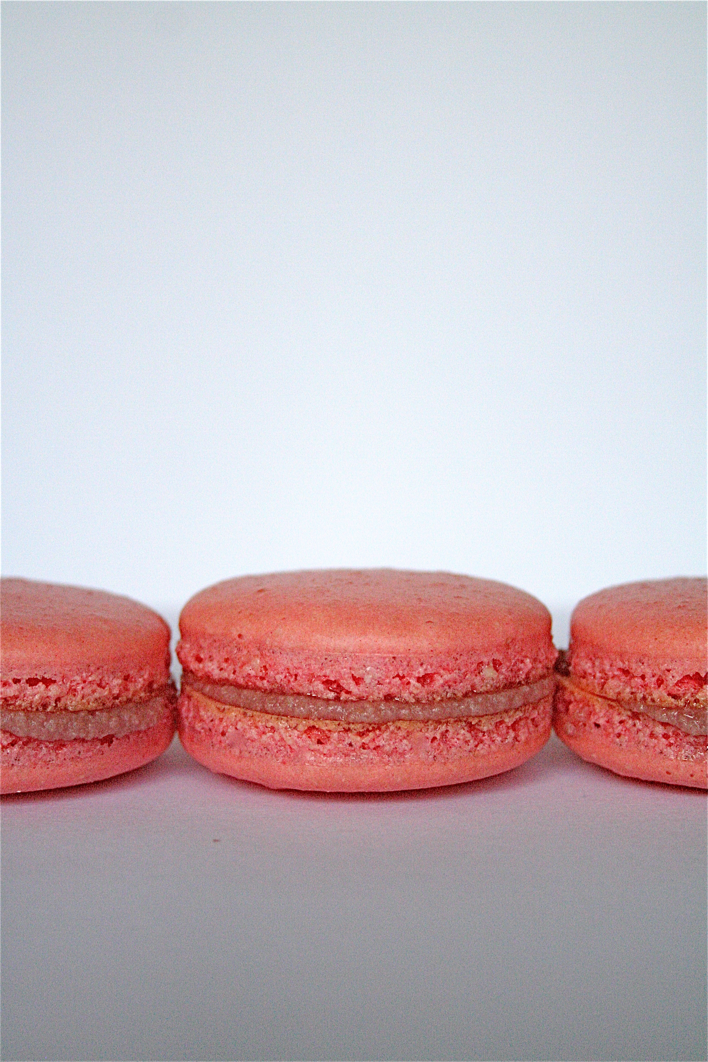 Raspberry Mascarpone Macarons | The Curvy Carrot