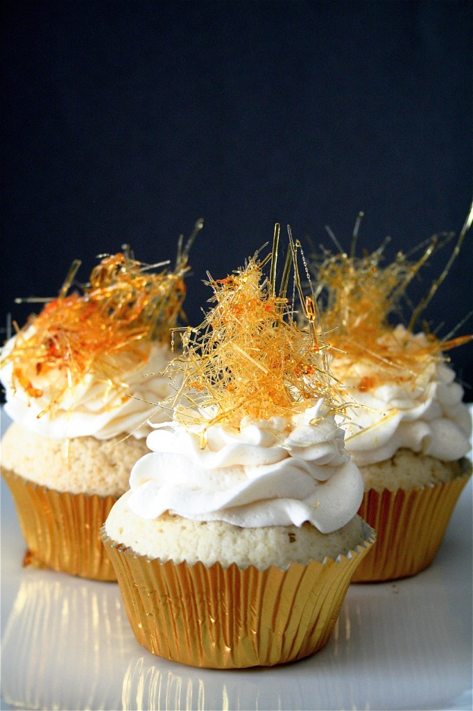 Champagne Cupcakes With Champagne Buttercream | The Curvy Carrot