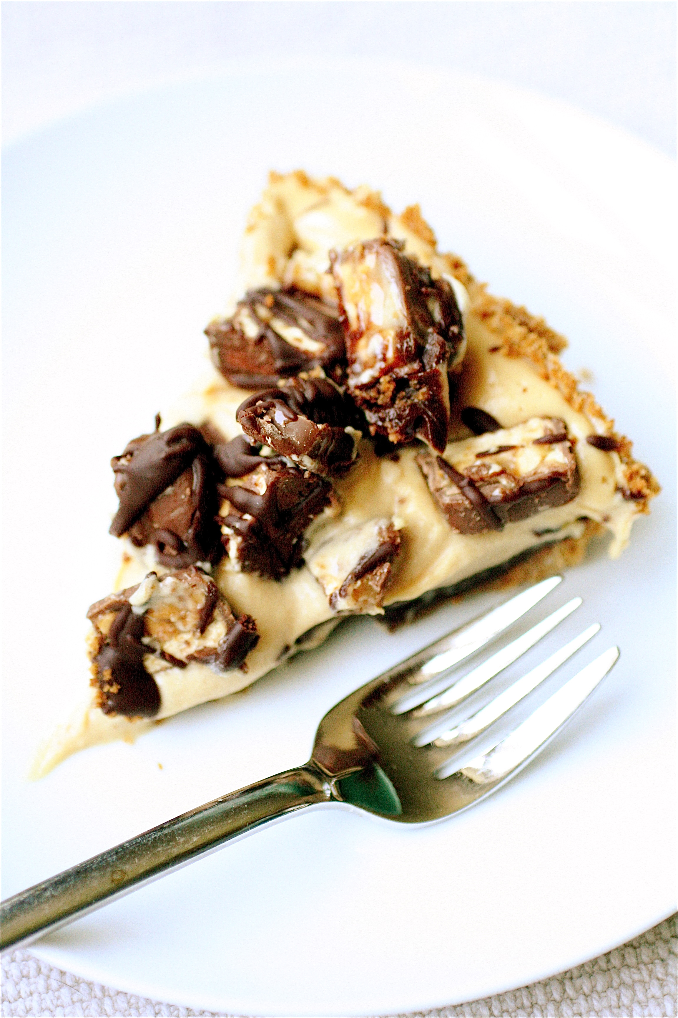 Snickers Black Bottom Peanut Butter Mousse Pie | The Curvy Carrot