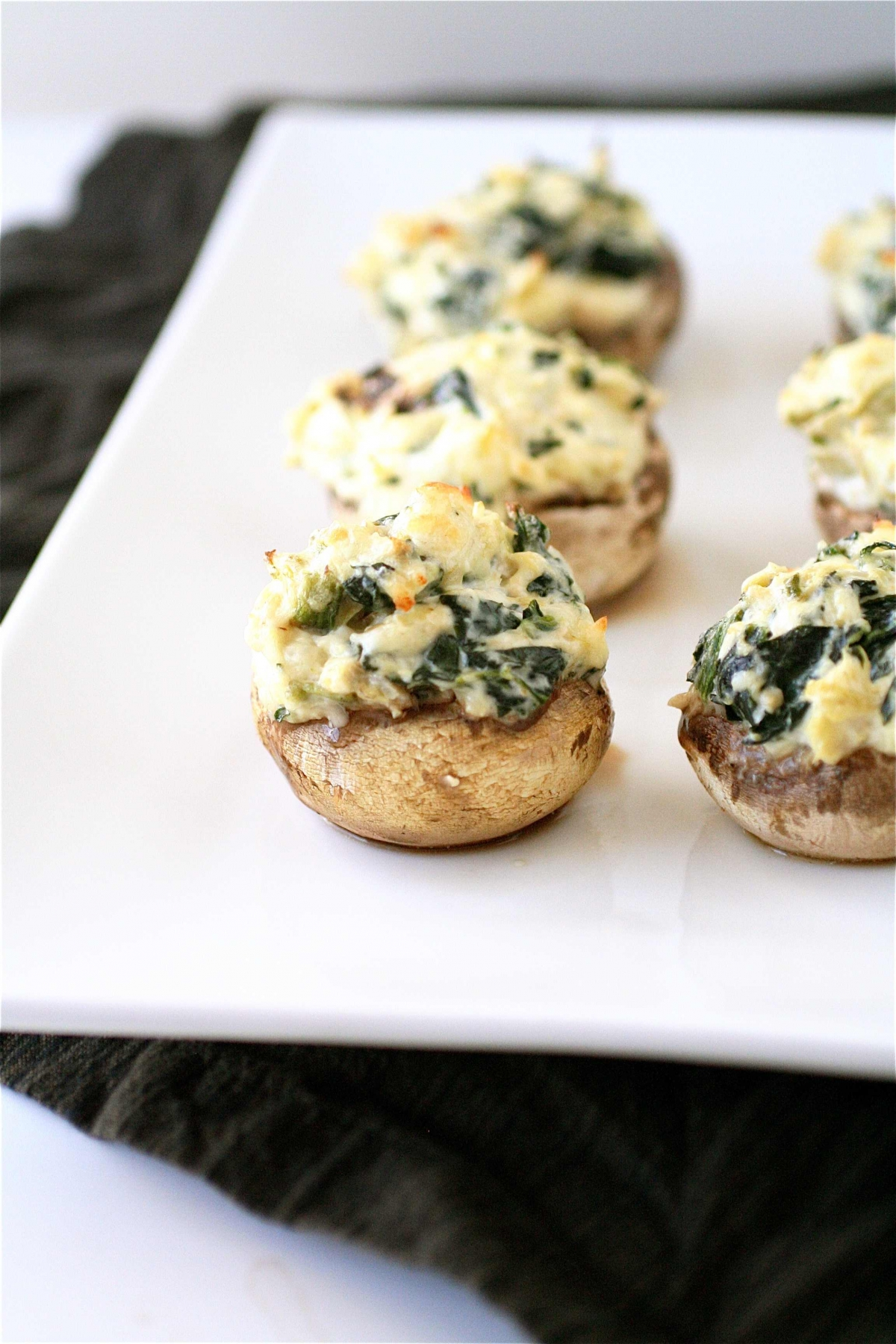 Spinach And Artichoke Stuffed Mushrooms | The Curvy Carrot