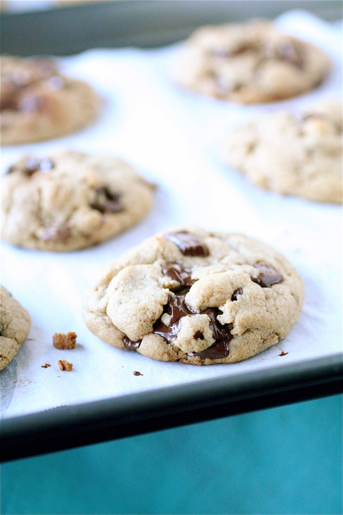 Peanut Butter Chocolate Chunk Reeses Cup Cookies | The Curvy Carrot