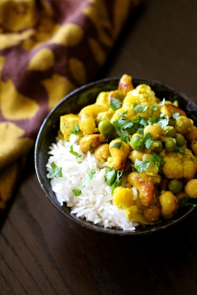 Cauliflower Chickpea Cashew Curry | The Curvy Carrot