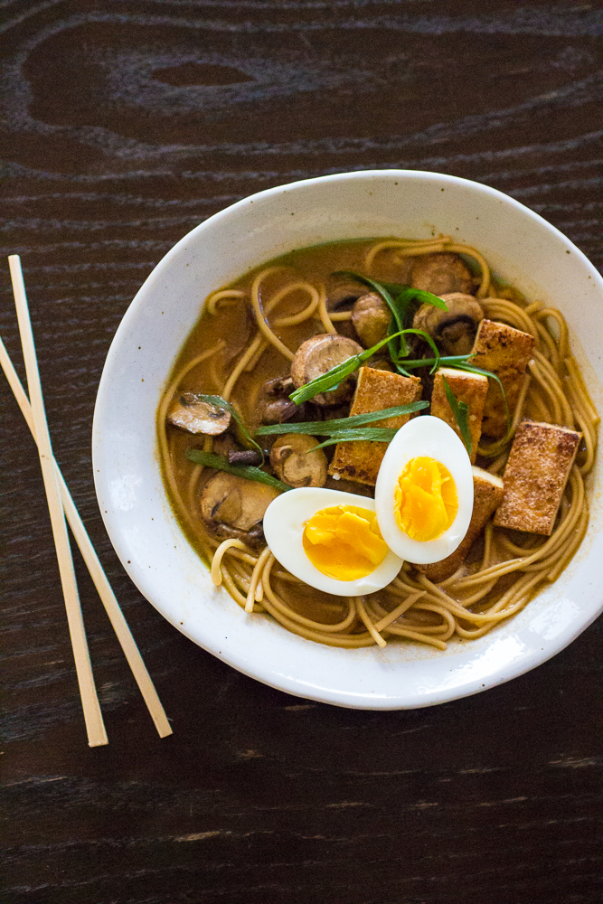 how to cook eggs with ramen noodles